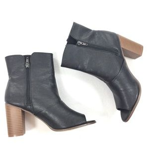 New York & Company   Zipper Ankle Booties